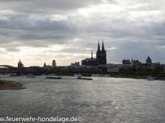 Kölner Dom von der Zoobrücke