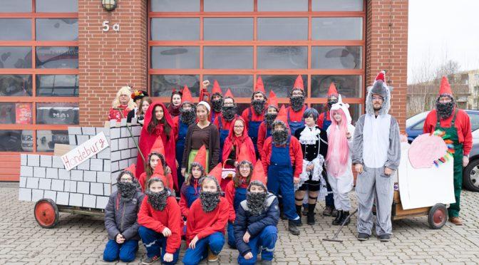 Jugendfeuerwehr beim 6. Hondelager Karnevalsumzug